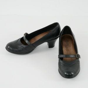 Clarks Mary Jane Black Leather Pumps Size 6M EUC!
